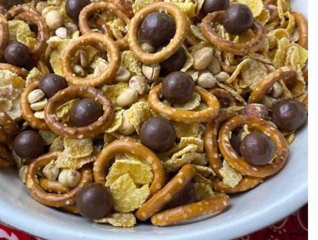 super bowl snack trail mix