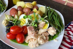 salad nicoise plated